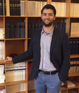 Simone D'Ascola è dottorando di ricerca in diritto del lavoro nell'Università degli studi di Verona. È cultore della medesima materia presso il Dipartimento di Giurisprudenza dell'Università di Pisa, dove si è laureato in giurisprudenza. A Pisa è stato anche Allievo Ordinario della Scuola Sant'Anna. È autore di alcune pubblicazioni su riviste scientifiche di settore.